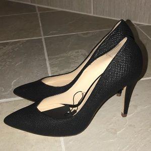 NEW Zara snakeskin textured matte black pumps